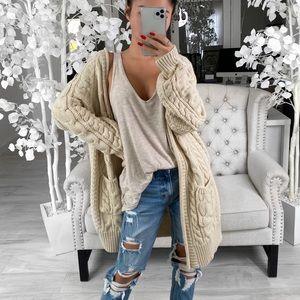 ekattire Sweaters - EKATTIRE